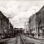 Looking east on King St. W. at Prince Street, 1910