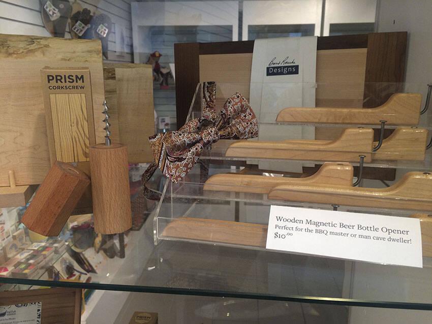 Assorted wooden housewares.